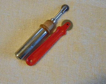 2 Vintage PATTERN TRACING WHEELS Red Plastic Handle Ardee, Silver Metal Wheel & Case with Wood Handle, Sturdy Vintage Sewing Marking Tools