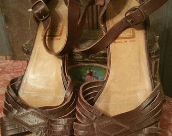 Italian 70s leather ankle strap sandals boho festival hippy earthy