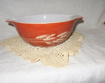 Vintage Pyrex Burnt Orange Mixing Bowl Wheat Design 1-1/2 Quarts