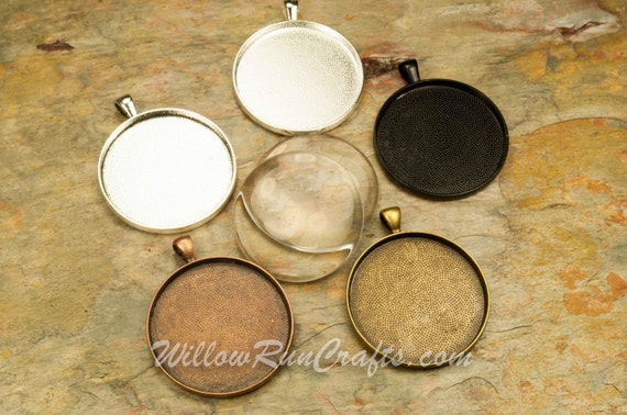 20 pcs 38mm Circle Pendant Trays with 20 Glass Cabochons. In Antique Bronze, Antique Copper, Silver and Black, Blank Bezel Cabochon Setting