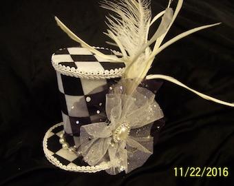 Checkerboard Mini-Hat