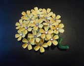 Yellow cluster of flowers vintage brooch