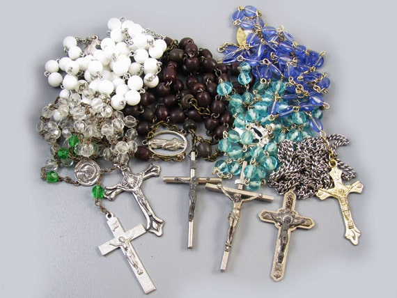 Lot of 6 vintage Italian Catholic rosary bead necklaces / Christian / crucifix / cross / Jesus / Christ / pray the rosary / Italy