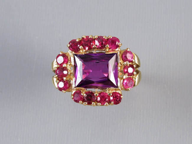 Vintage 1940s Retro Moderne 14k gold syn color change alexandrite and flame fusion ruby statement ring / size 7 / cocktail ring