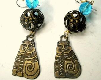 Laurel Burch Earrings, Her Cats with  My Beads, Long Dangling Brass Signed Kitties, OOAK R Starr
