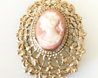 Lovely Vintage Plastic Resin Cameo Goldtone Filigree Pin Brooch
