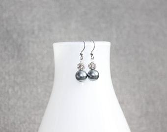 Boucles d'oreilles fantaisie, perles grises, anneau, chic, fancy, femme, boucles d'oreilles femme, cadeau pour elle, boucles d'oreilles inox