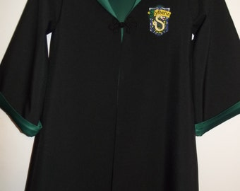Slytherin robe, Harry Potter inspired, size 4/6 with wand