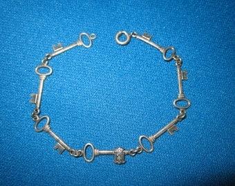 Vintage 1920s Sterling Silver Figural Keys Link Bracelet