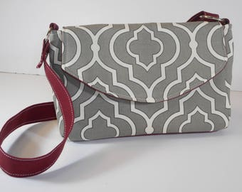 Purse Shoulder Bag Envelope-Style Flap Medium-Sized Bag Lattice-Style Gray and White Print Pockets
