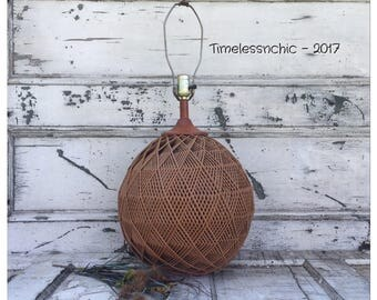 Vintage Wicker Lamp - Table Lamp - Desk Lamp - Accent Lamp - Fiber Arts  - Bedside Lamp - Wicker Lamp - Vintage Lamp - Woven Basket Lamp