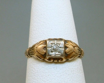 Art Deco 10K Gold Diamond Ring