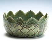 20% off with coupon code HOLIDAYS2016 through Monday, Dec.5 - Large Golden Green Artichoke Bowl