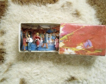 TINY MINIATURE Doll People in Matchbox Diorama