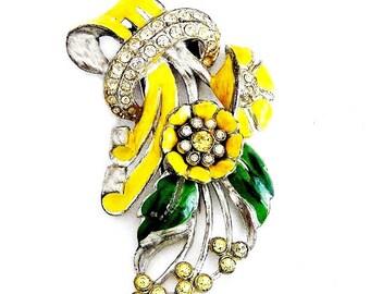 Coro 1940's Yellow Enamel Fur Clip