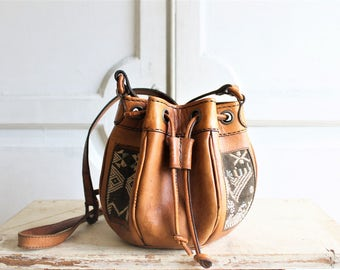 crossbody carpet bag leather bucket bag 80s vintage