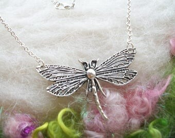 Dragonfly Necklace Silver Dragonfly Garden Necklace Pendant Detailed Wings Silver Chain Whimsical Jewelry Retro Charm Necklace