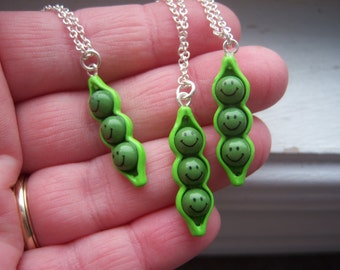 Peas In A Pod Necklace -Three Peas In A Pod Necklace -Best Freind Necklaces -Mom And Daughter - Pea Pod Necklace - Free Gift With Purchase