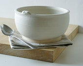 Handmade stoneware bowl - wheel thrown bowl in vanilla cream with mouse
