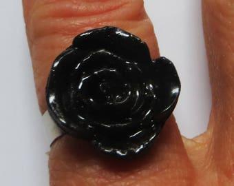 Glossy black rose ring