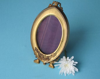 Victorian Picture Frame Art Nouveau Accents Pointed Oval Mellow Brass c.1890-1900 Shabby Romantic Purple Velvet Backing