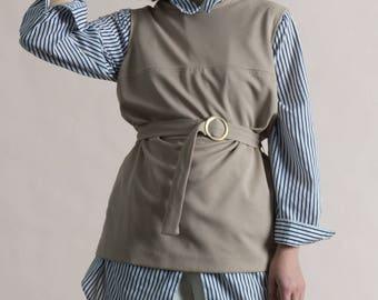 Vintage 60s Beige Sleeveless Shift Tunic with Belt / Modern Vest
