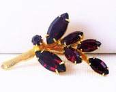 Vintage Gold Tone Red Rhinestone Floral Leaf Brooch Pin  (B-3-4)