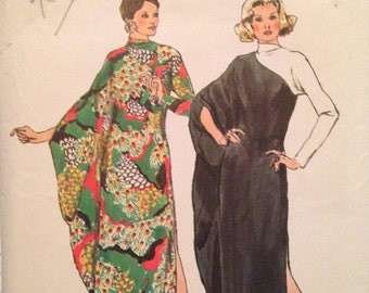 Dramatic Vintage 70s Caftan Pattern 34-36 bust 1970s Simplicity 5971 c. 1973 Stylish High Fashion