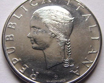ITALIAN FEMALE COIN over 30 Years Old Italia 100 Lire International Food Aid Commemoration Coin