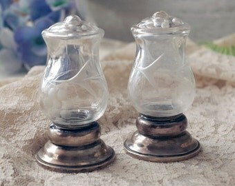Quaker Silver Sterling & Etched Crystal Salt and Pepper Shaker Set - Weighted Sterling Silver Shakers