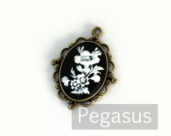 Lilly Garden maiden BLACK and WHITE Cameo Pendant (3 pcs, 6 designs)(18x25mm) keepsake gift,gothic lolita,victorian cosplay