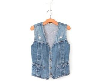 SALE Vintage Jean Vest * 70s Embroidered Vest * Stonewash Denim Top * Medium - Large