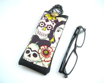 Frida Kahlo glasses case, faux leather vinyl eyeglass holder with necklace lanyard, reading eyewear case, Frida sugar skull, floral skeleton
