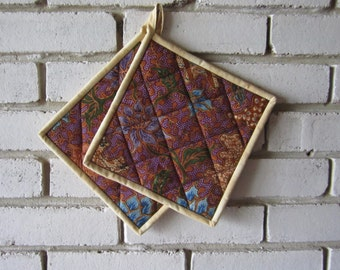"""Quilted Potholders """"Purple Fantasy"""" Set of 2 Hot Pads, Quiltsy Handmade, Fabric Hot Pad"""