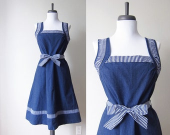 Vintage 1970s Dress / Denim Chambray Bow Fit and Flare Sundress / Size Small / Size Medium