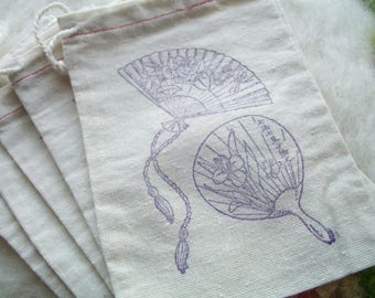 Close Out Muslin Pouch Vintage Fan with Roses, Small Drawstring Pouch Small Stamped Pouch, Party Favors, Set of 5