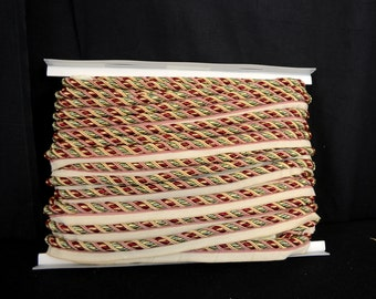 Large Lip Cord Green Red Gold 1034T 8853
