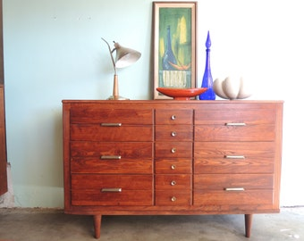 MID CENTURY MODERN 9 Drawer Dresser/Credenza/Changing Table (Los Angeles)