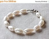 White Freshwater Pearl Bracelet, Handmade Beaded Bracelet, OOAK, White Pearl Bracelet, Designer Bracelet, Pearl Bridal Jewelry for Women