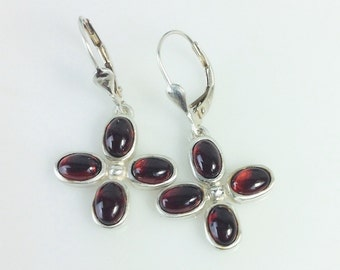 Garnet - silver flower earrings