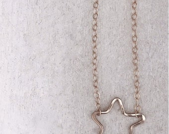 Itty Bitty Star Necklace - Hammered Necklace - Gold Jewelry