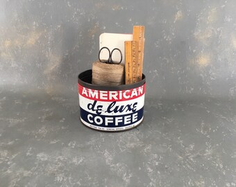 Vintage Coffee Can, American De Luxe, one pound, 1 lb, red white blue, Chicago, National tea