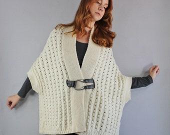 Vintage 90s Women's Rustic Fashion Aran Knit Soft Irish Wool Fisherman's Style Oversized Shawl Loose Boho Cardigan Winter Sweater