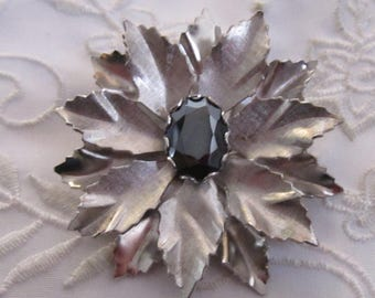 Vintage Silver Tone Multi-Petaled Flower Brooch with Faux Black Onyx Stone Center