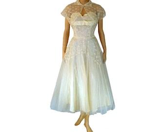 M Romantic 1950's Vintage Prom Dress, Tea Length, Formal Strapless White Dress, Tulle Wedding Dress, Medium