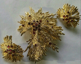 Vintage Crown Trifari Fireworks Gold and Ruby Brooch and Earring Set.