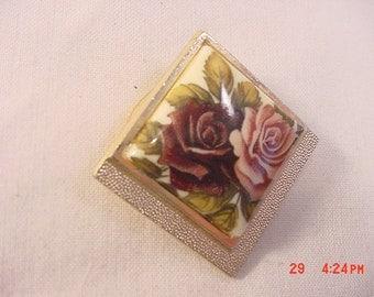 Vintage Roses Scarf Holder   16 - 904