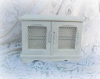 Musical Jewelry Box, Antique White Vintage Jewelry Box, Cream Jewelry Box