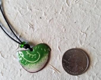 Fancy bird necklace in green