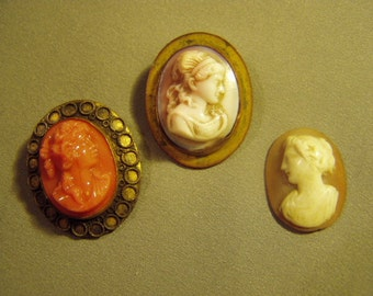 2 Victorian Glass Cameo Pins & 1 Loose Carved Shell Cameo Stone 8957